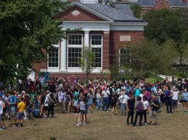 DePauw community gather for solar eclipse